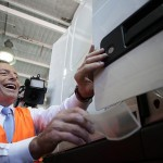 "Abbott manufacturing policy shows election a ""referendum"" on sector: Carr"