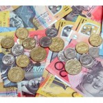 Australian dollar continues to fall, hits US 77.22 cents