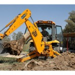 JCB donates equipment to Typhoon Haiyan relief