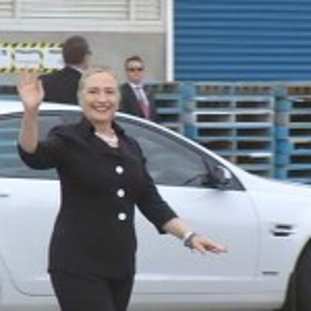 Hillary Clinton praises Aussie defence manufacturers