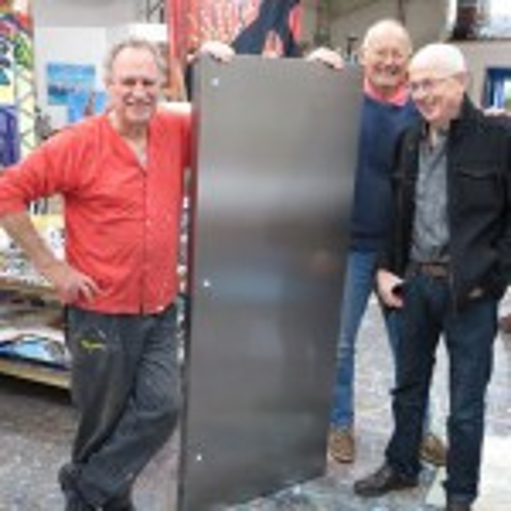 Electrolux celebrates Orange factory anniversary with fridge art