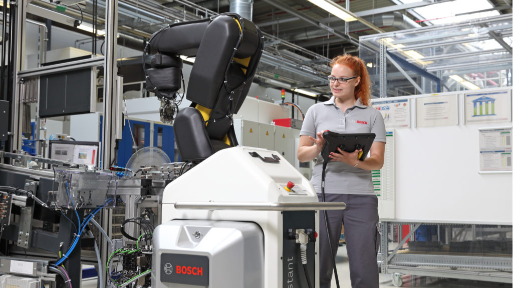 Bosch teaches apprentices how to work with robots. The APAS assistant can work side-by- side with humans without the need for a safety guard and relieve them of monotonous tasks.