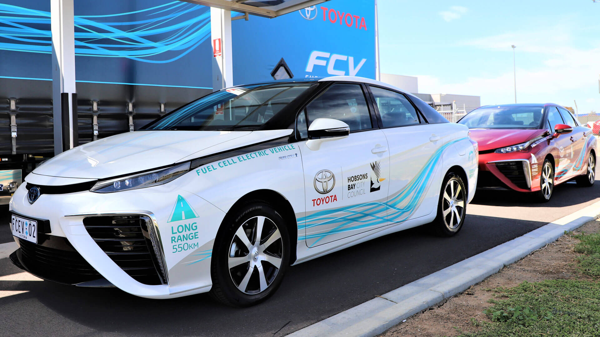 Hydrogen Cars: Toyota Launches Hydrogen-electric Vehicle Trial In